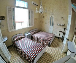 Room 1 in Vista al Mar casa particular in Old Havana