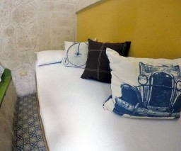The small single bed in Room 3 of Casa La Obrapia guesthouse in Old Havana