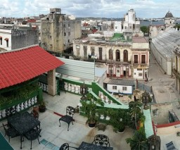 The roof top terrace of Vista al Mar guesthouse in Old Havana