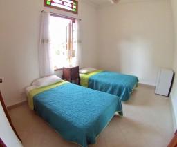 A comfortable twin room in Havana